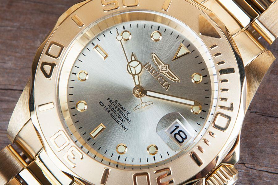 Invicta Pro Diver 40mm champagne dial automatic   9010